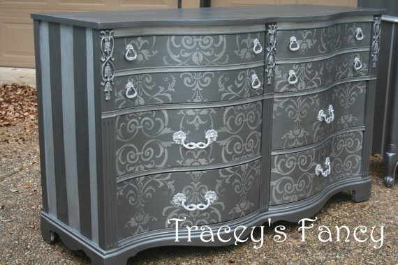 Traceys Fancy Dresser
